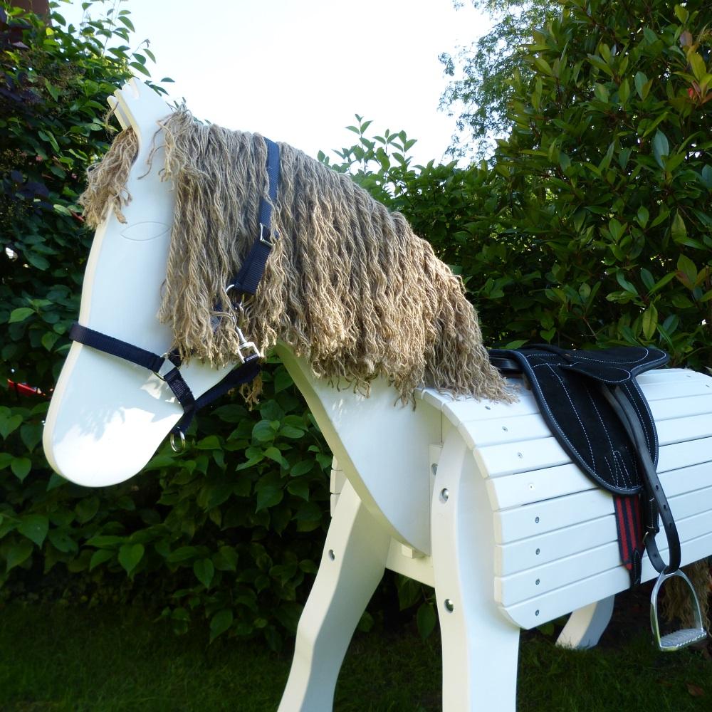 voltigierpferd outdoor holz pferd holz spielzeug peitz. Black Bedroom Furniture Sets. Home Design Ideas