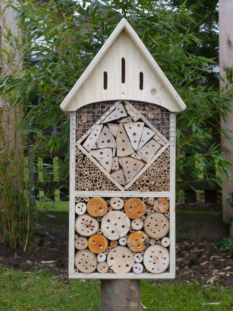 insekten haus hotel raute natur holz spielzeug peitz. Black Bedroom Furniture Sets. Home Design Ideas